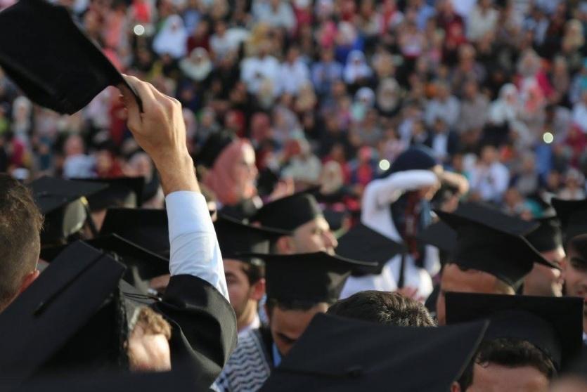 صعدت نسبة بطالة شباب قطاع غزة إلى 61.2 بالمائة في 2017