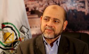 أبو مرزوق يلتقي السفير الفلسطيني في بيروت