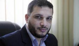 الكاتب إبراهيم المدهون