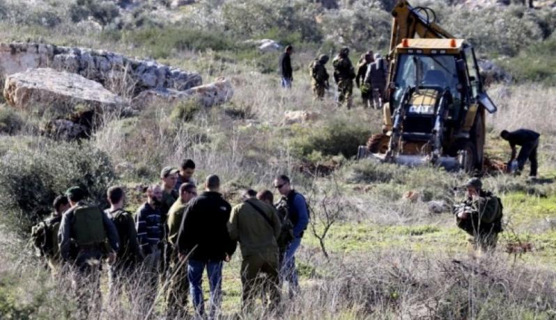 الاحتلال يواصل تجريف أراضٍ بسلفيت لصالح الاستيطان