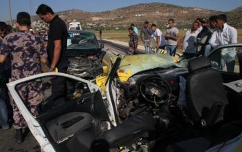 إصابة مواطنين بانقلاب سيارة في بيت لحم