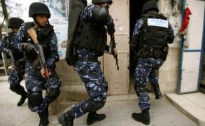 السلطة تعتقل 4 من حماس وتواصل اعتقال العشرات