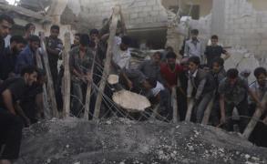 عشرات القتلى بغارات النظام في ادلب