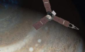 """""""جونو"""" أول مركبة فضائية تنجح بالاقتراب من المشتري"""
