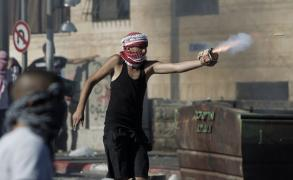 مواجهات وإصابات واعتقالات شمال غرب القدس