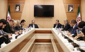 وفد حماس لطهران يلتقي عددا من المسؤولين الإيرانيين