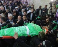جماهير قطاع غزة تشيع جثمان الشهيد القسامي مازن فقهاء