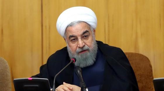 حسن روحاني أثناء مخاطبته مجلس الوزراء الإيراني الخميس الماضي (الأوروبية)