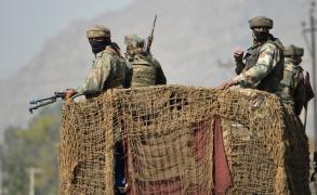 تبادل إطلاق النار بين القوات الهندية والباكستانية في كشمير
