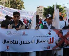 مسيرة لأطفال غزة في يوم الطفل العالمي