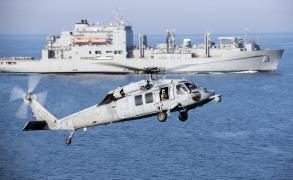 البحرية القطرية تجري تدريبات مع البحرية الفرنسية