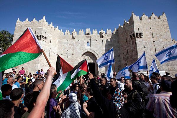 معدل الأسرة الفلسطينية 4.62 طفلا مقابل 3.55 للأسرة اليهودية