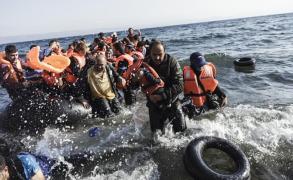 """مهلة أوروبية أمام اليونان لتعالج """"تدفق المهاجرين"""""""