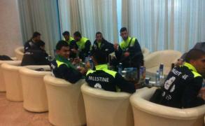 بعثة الوطني لحظة وصولها أحد فنادق الجزائر