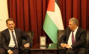 بحث تحسين أوضاع لاجئين في لبنان