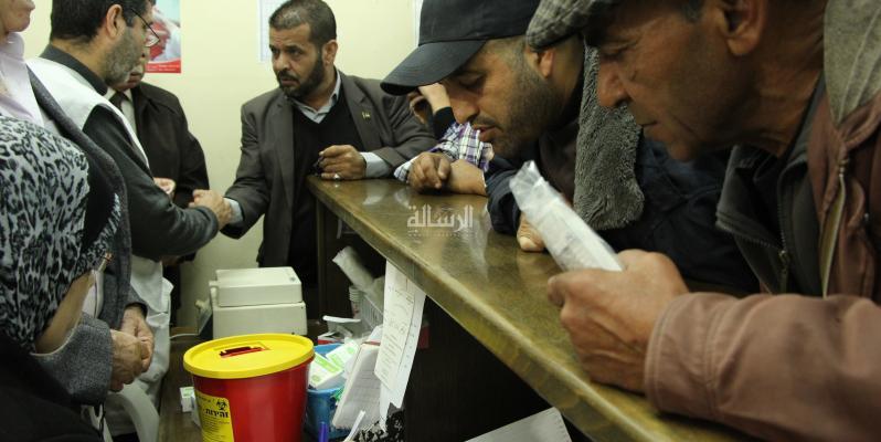 صور-حملة بغزة للتبرع بالدم لجرحى watermark_9db9316530
