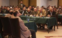 حماس تحتفل بإصدار كتب للأسير البرغوثي