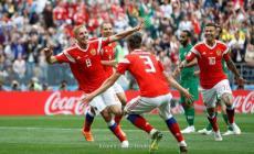 فرحة لاعبي روسيا بالهدف الأول
