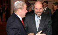 الهباش مع مسؤول إسرائيلي