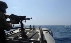 اعتقالهما جاء بعد أن فتحت البحرية الإسرائيلية النار تجاه قاربهما