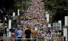 مظاهرة حاشدة ضد مادورو اليوم في كراكاس (رويترز)