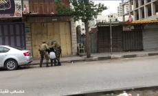 الاحتلال يداهم عدة منازل ويستولي على مركبة في الخليل