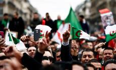 في الجمعة الخامسة لحراك الجزائر.. مطالب برحيل النظام ورفض التدخل الأجنبي