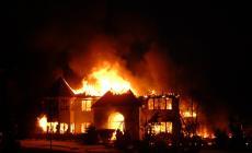 مصرع طفلين بحريق داخل منزل في الخليل