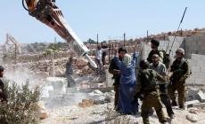 الاحتلال يهدم مسكنا وبركسا زراعيا شرق القدس