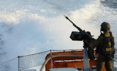 بحرية الاحتلال تهاجم مراكب الصيادين قبالة بحر غزة