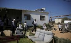هآرتس: الاحتلال سمح لمستوطنين بدخول عمونا ومنع فلسطينيين