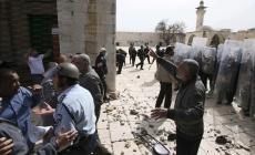 المعتكفون بالأقصى يتصدون لقرارات إخلاء المسجد