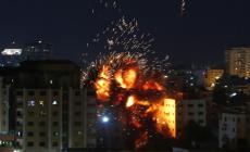الصواريخ الإسرائيلية حولت مبنى وكالة الأناضول إلى كومة ركام (الأناضول)