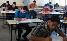 طلبة التوجيهي بغزة  يناشدون  لزيادة عمل ساعات الكهرباء فترة الامتحانات