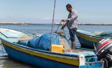 صيادون: إغلاق البحر جريمة وندعم الصف الوطني