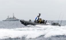 زورق حربي اسرائيلي يخرق المياه اللبنانية