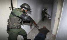 الأورومتوسطي: على السلطة الفلسطينية مناهضة التعذيب داخل غرف التحقيق ومقار الاحتجاز