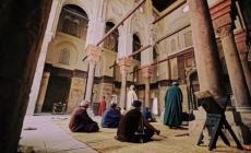تعرف على وقائع توقف صلوات الجماعة بتاريخ المسلمين
