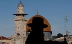 اكثر من 24 تدنيسا للاقصى و57 وقتا منع رفع الاذان في الحرم الابراهيمي خلال ايلول