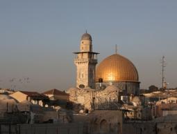الاحتلال يغير الوضع القائم بالقدس والأردن مهددة بفقد وصايتها