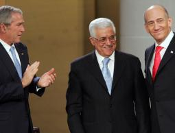 مسؤولون سابقون بالسلطة: عباس شريك بالتخلص من عرفات وتصفية القضية!