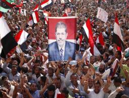 وفاة مرسي.. حزن وغضب يسيطران على مواقع التواصل