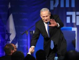 نتانياهو يتصدر استطلاعات الرأي وفرص خصومه تتراجع