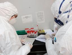 الصحة: سحب عينات لـ 1400 مستضاف لإنهاء حجرهم الصحي خلال أيام