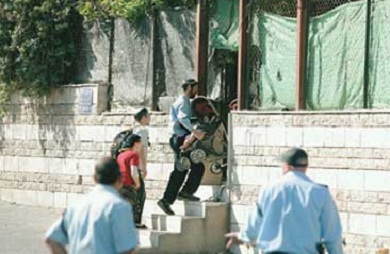 ممستوطنون يستولون على منزل في القدس