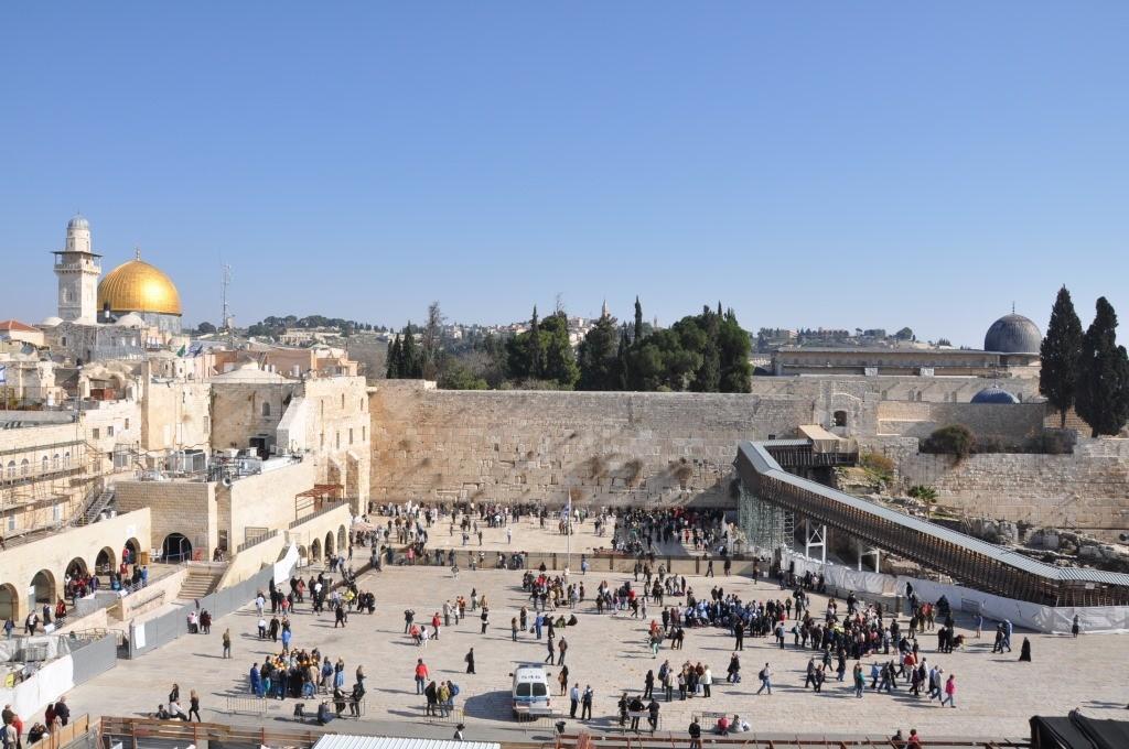 وزير الزراعة الإسرائيلي يقود اقتحاما للمسجد الأقصى