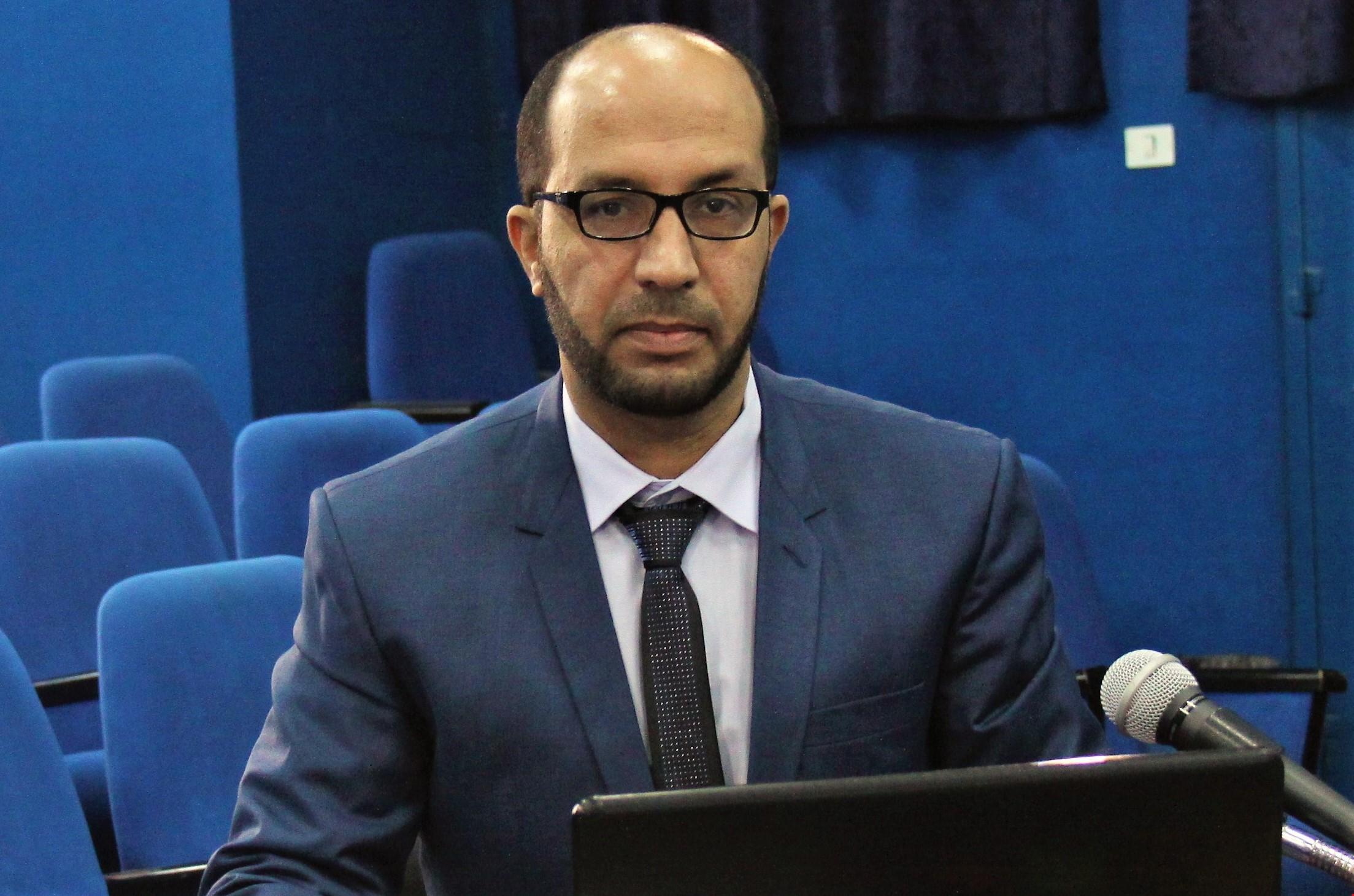 الكاتب رامي ابو زبيدة