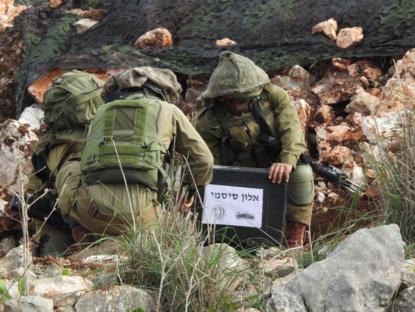 قوات الاحتلال على حدود لبنان