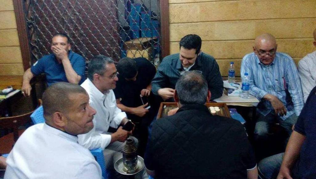 علاء كان يفضل الابتعاد عن الحياة السياسية خلال حكم والده لكنه نشط إلكترونيا وفي المناسبات العامة مؤخرا