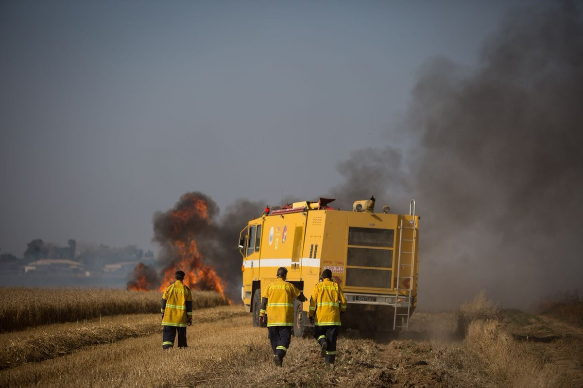 اندلاع سلسلة حرائق في غلاف غزة اليوم